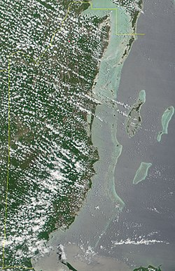 Satellite image of Belize in May 2001.jpg