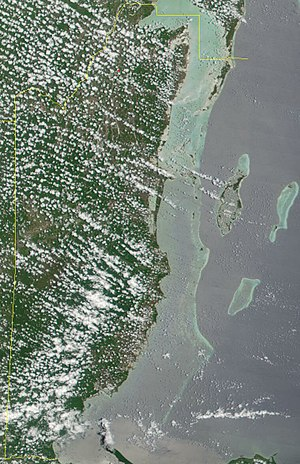 Belize Barrier Reef - Image: Satellite image of Belize in May 2001