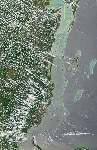 Belize Barrier Reef - Image: Satellite image of Belize in May 2001