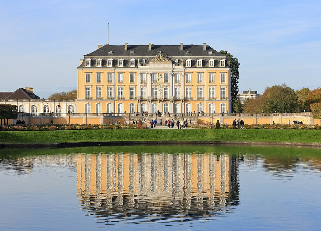 Schloss Augustusburg, Southern Facade, November 2017 -02.jpg