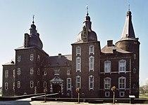 Schloss Hoensbroek Hauptgebäude 01.jpg