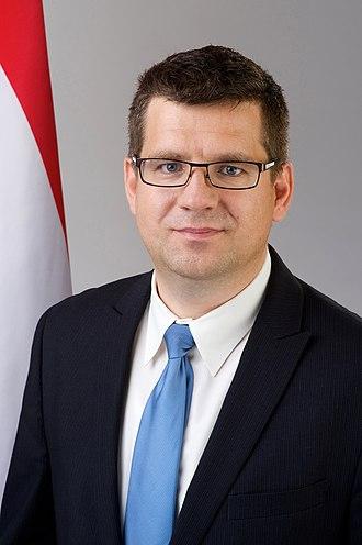 Miklós Seszták - Miklós Seszták