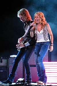 Sheryl Crow Concert - Singing 'All I Wanna Do'.jpg