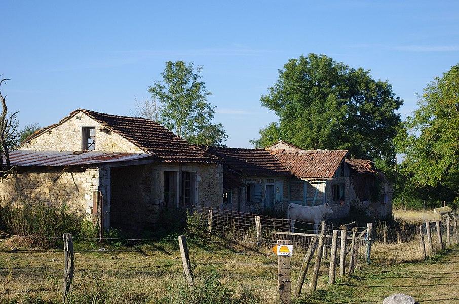 Lahayville im Department Meuse in Lothringen. Wohnhäuser, die vor dem Ersten Weltkrieg erbaut worden sind. Hier wohnten im Ersten Krieg Soldaten.