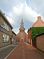 Sint-Joris-ten-Distel-kerk vanuit de Kerkstraat.jpg