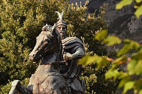 Skenderbeu afer keshtjelles se tij ne Kruje.jpg
