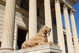 La Plata Museum - A Victor de Pol sculpture of a pampas Smilodon guards the museum entrance