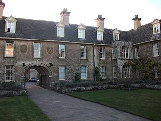 1933 in architecture - Image: Somerville College, Oxford Darbishire quad