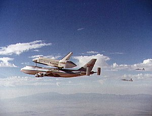 Spaceshuttle enterprise 747.jpg