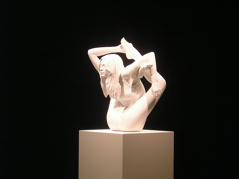 File:Sphinx - Marc Quinn (2005, painted bronze).jpg