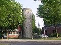 Stadtturm am Maspernplatz neben Paderhalle.jpg
