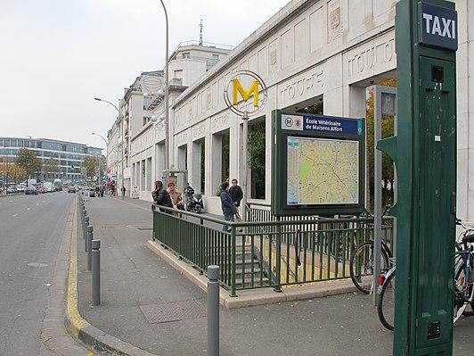 École Vétérinaire de Maisons-Alfort (Paris Métro)