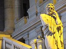 Statuo de Lycurgus de Sparto, ĉe la Tribunaloj de Bruselo, decembro 30, 2013.jpg