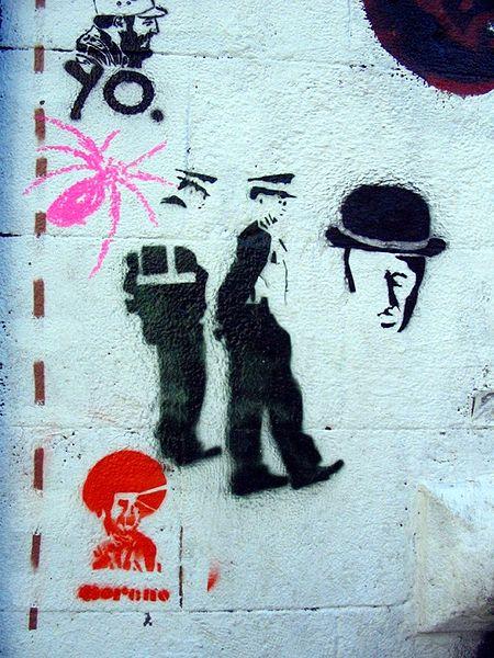 File stencils en barcelona jpg wikimedia commons - Stencil barcelona ...