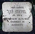 Stolperstein Wielandstr 22 (Schön) Leo Stiefel.jpg