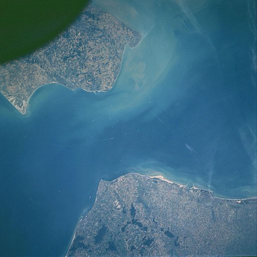 Strait of dover STS106-718-28