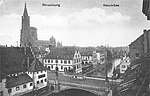 Strassburg Rabenbrücke (Pont du Corbeau, état ancien, avec tramway ancien).jpg