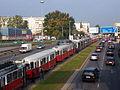 Strassenbahnstau Erzherzog-Karl-Strasse Polgarstrasse.jpg