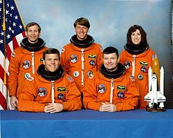 v.l.n.r. Kenneth Cockrell, Stephen Oswald, Michael Foale, Kenneth Cameron, Ellen Ochoa