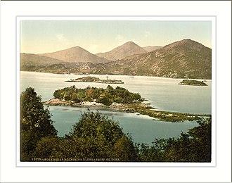 Caha Mountains - Image: Sugar Loaf Mountain. Glengariff. Co. Cork Ireland