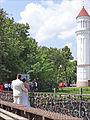 Sur le pont de lAmour (Vilnius) (7661115840).jpg