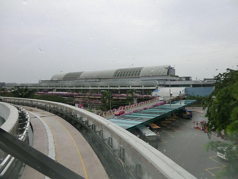 File:T1 Departure Cres, Singapore - panoramio.jpg