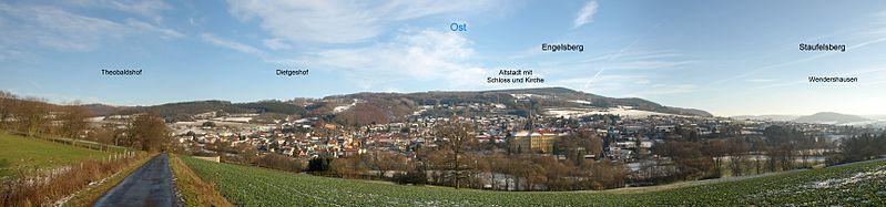 Panorama der Altstadt von Tann in der Rhön. Aufgenommen vom unteren Osthang des Habelberges