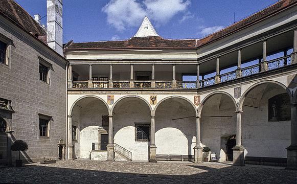 scottys castle courtyard - HD1600×991