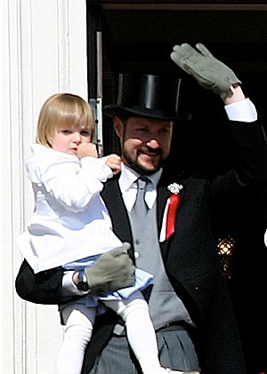 2004 in Norway - Princess Ingrid Alexandra with her father on 17 May 2007