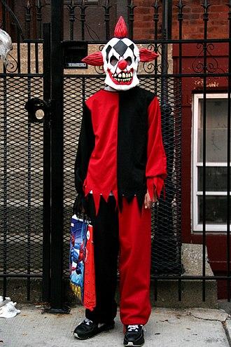 2016 clown sightings - A person dressed as an evil clown