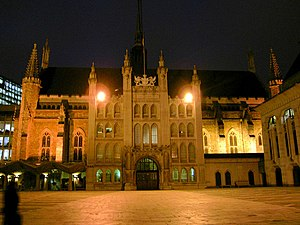 "United Kingdom commercial law - The Guildhall, London was the administrative centre of London's medieval trade. Its most famous inhabitant, mythologised in the 19th century play, was Dick Whittington and His Cat who came when he heard that ""London streets are paved with gold""."