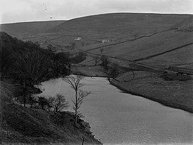 The Lake, Cwm Tillery, Abertillery (4641630).jpg