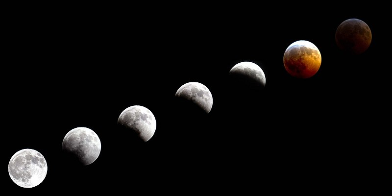 File:The National Guard - Total lunar eclipse (by).jpg