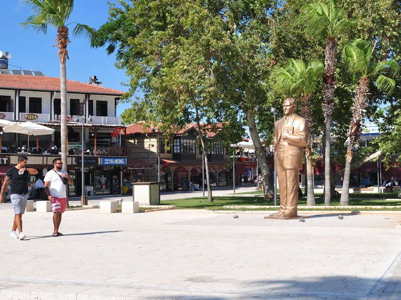 The central square of Side with the statue of Atatürk
