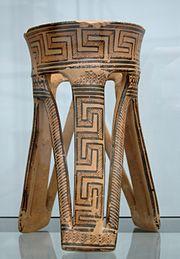 Three-feet support Staatliche Antikensammlungen 7645.jpg