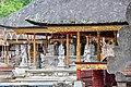 Tirta Empul temple (16870813730).jpg