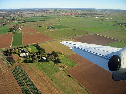 Plains of the Dubbo region, north of the township. Towards the Warrumbungles from Dubbo.jpg