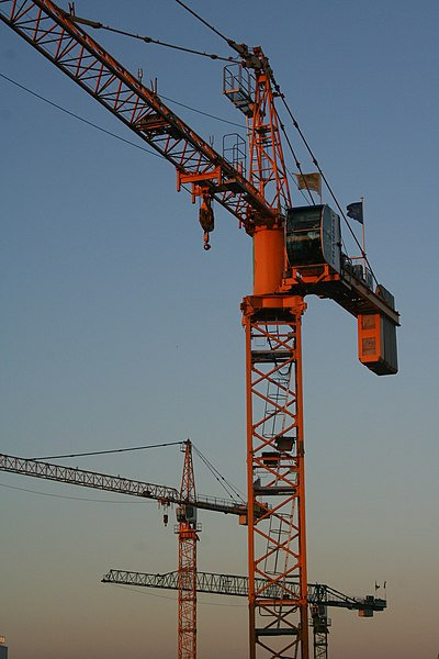 ファイル:Tower.crane.-.Grues.-.KremlinBicetre.JPG