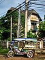 Tuk Tuk and Colonial House (1491484758).jpg