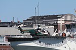 Turva Lippujuhlan päivän 2017 laivastoesittely 8 Super Puma H215 OH-HVQ.JPG