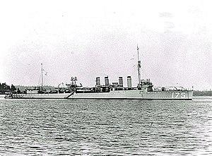 USS MacKenzie (DD-175) at anchor, circa 1920-1922 (NH 46903)