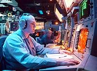 세종대왕함과 비슷한 배수량인 미국 타이콘데로가급 순양함 USS Normandy (CG-60)함의 Combat Information Center (CIC) 콘솔
