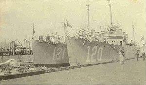 USS Radford (DD-120) and USS Montgomery (DD-121) at the Norfolk Naval Shipyard, Virginia (USA), circa in 1919-1921