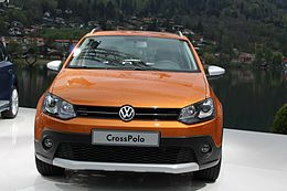 VW CrossPolo 2014 front.jpg