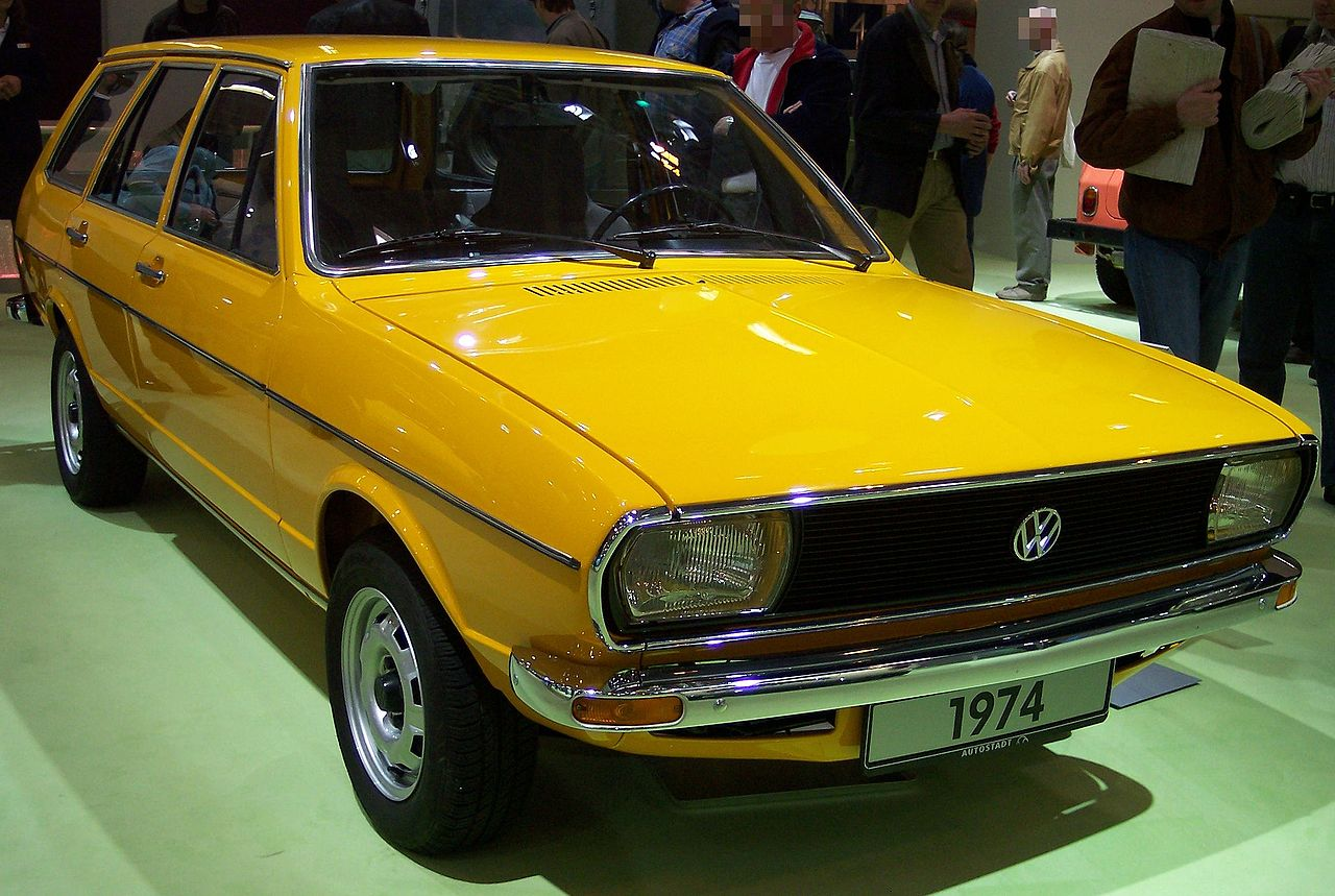 file vw passat i kombi yellow 1974 vr wikipedia. Black Bedroom Furniture Sets. Home Design Ideas
