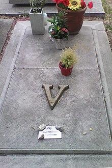 Valérie Benguigui tombe.jpg