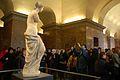 Venus de Milo and visitors, Paris 2 January 2008.jpg