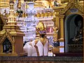 Viaje a birmania sept 2006 yangon dragon (por dario (2917220204).jpg