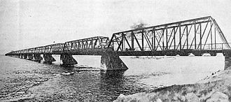 Victoria Bridge (Montreal) - Victoria Bridge, 1901. Viewed from downstream.
