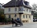 Waibstadt Pferdefuhrwerk Linksabbiegen.jpg
